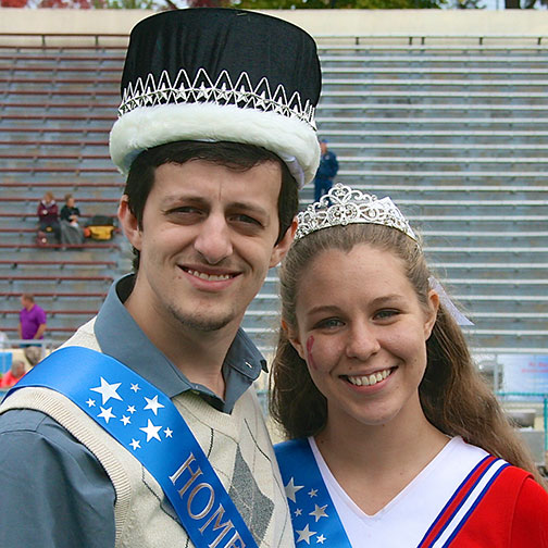 Students Crown 2015 Homecoming Court